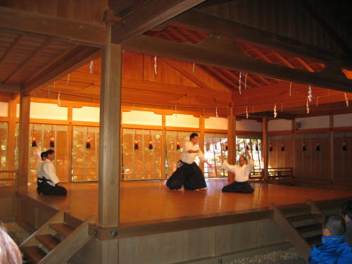 Aikido Demonstration of Shosenji Dojo on Noh stage in Tengawa Shrine, Nov 20, 2005