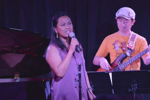 Aurora With Guitarist Dec 2013