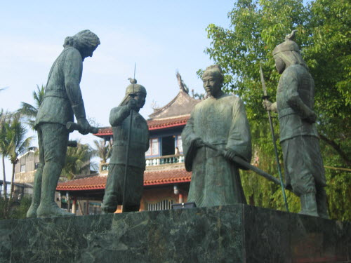 Bronze Statues in Chih-Kan Tower or Fort