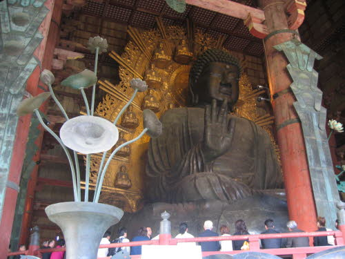 Great Buddha of the Todaiji temple in Nara, Apr 9, 2005