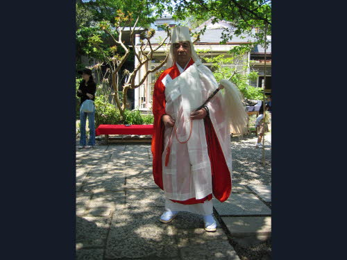 Shimamoto Shihan in his Zenpriest robe Apr 29, 2004