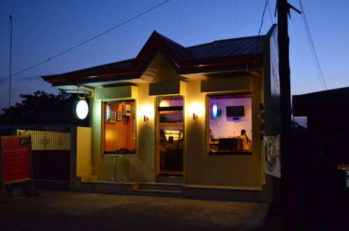 Strutz Art Cafe In The Evening