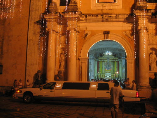 Wedding Limousine in front of  San Agustin Church